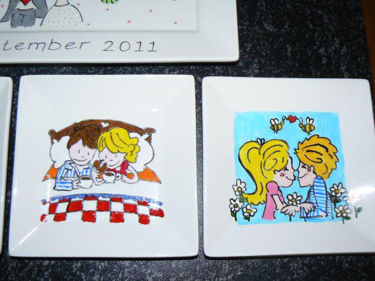 Met carbonpapier kun je leuke plaatjes (geboorte kaartjes) overtrekken op servies. Met porceleinverf inkleuren en afbakken.