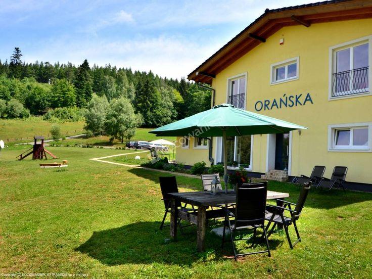"""""""Orańska"""" to kameralny obiekt położony w Międzygórzu. Więcej informacji: http://www.nocowanie.pl/noclegi/miedzygorze/willa/125555/"""