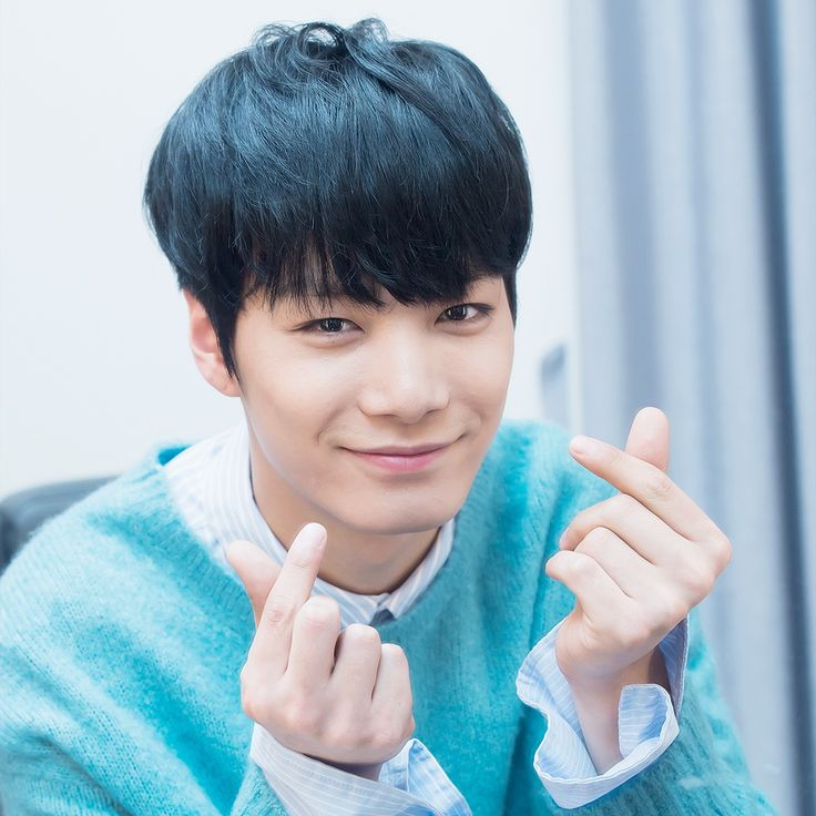 "NU'EST Kim Jonghyun. The first person who is younger than me to make it to my ""People I admire"" list. I admire him endlessly, ever since 2012. Nu'est debuted when all members are still so young, JongHyun was chosen to be the leader when he was only 16. But he did his best. He endured through all hardships. He love his members and his fans. He's always smiling and keeping faith, now matter what. He is an inspiring leader and a kind person. I love you."