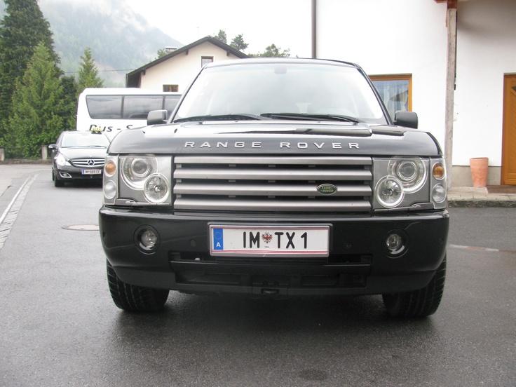 Der Range Rover von Austria Taxi Tipotsch ist immer bereit für einen komfortablen Taxi Transfer! Unterwegs mit dem Taxi Ötztal Bahnhof: Ob als Flughafentaxi Innsbruck, München, Zürich, Memmingen, Salzburg, als VIP Taxi, oder als Taxi Ötztal, Obergurgl, Sölden - Wir garantieren Komfort und Sicherheit.