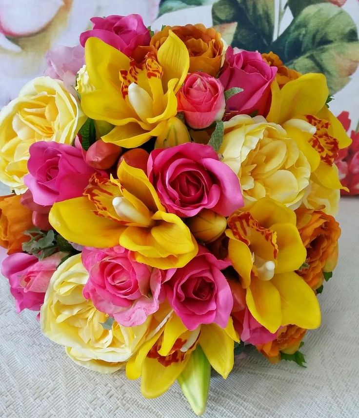 ARTIFICIAL WEDDING BOUQUET IN BRIGHT BEAUTIFUL TONES STUNNING QUALITY