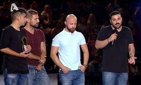 MAD VMA:Η συγκινητική στιγμή όταν τα αδέρφια του Παντελή Παντελίδη πήραν το βραβείο στη μνήμη του   Η πιο συγκινητική στιγμή όπως έδειξε η εκπομπή Happy Day ήταν όταν τα δυο αδέρφια του αξέχαστου Παντελή Παντελίδη αλλά κα φίλοι του ανέβηκαν  from Ροή http://ift.tt/2s0TcF6 Ροή