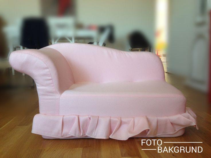 Soffa  - Soffa rosa Soffa för nyfödda och äldre barn. 75x40 cm utanför sitsen - 55x30 cm innanför. Den är utmärkt både för nyfödda och större barn som kan sitta på den.  Beställningsvara. Pris 1599kr