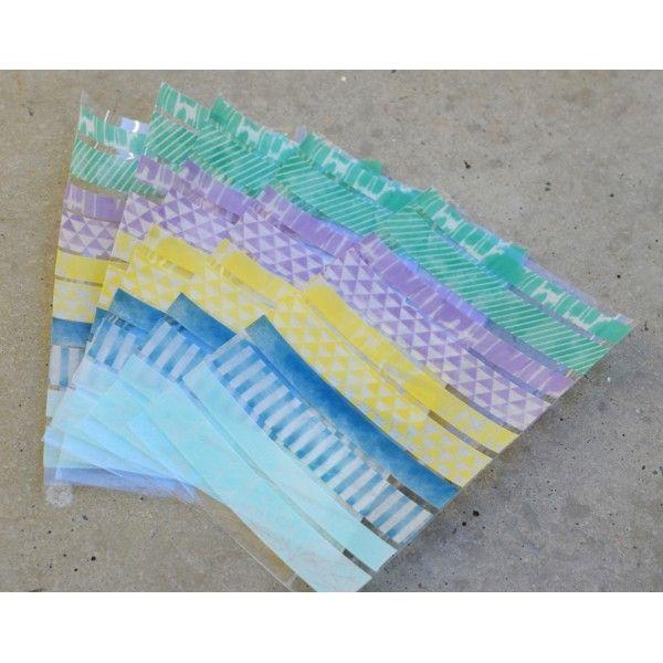 Nemůžete se rozhodnout, nepotřebujete toho tolik, vyzkoušejte naše nové washi pásky na aršíku, připraveny k nalepení, vyzkoušení, do diáře...no prostě pro radost přeci.  Balení obsahuje: 10 různých vzorů, 5 x 15 mmx 10 cm a 5 x 10 mm x 10 cm  Made in China
