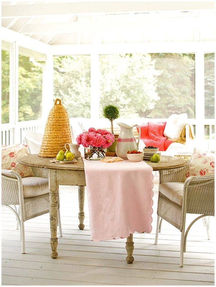 SIMPLE WAY TO PERFECT PORCH EASILY WITH A ROUND TABLE DECORATIONS
