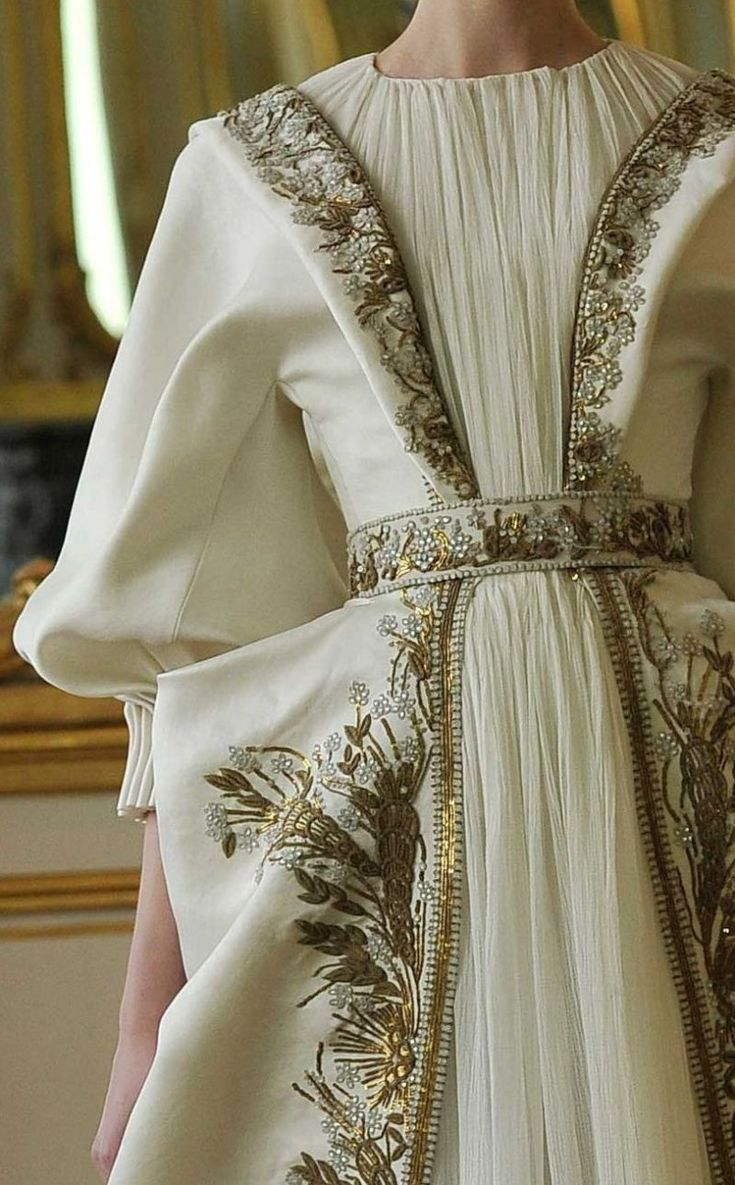 alexander mcqueen f/w 2010, his last, unfinished collection
