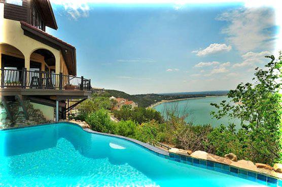 La Villa Vista - Lake Travis Austin, TX Bed and Breakfast