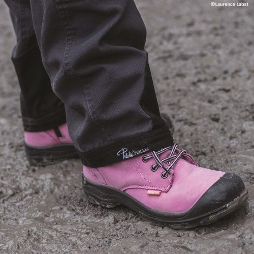 Steel toe work boots for women. Pink colour. CSA approved.