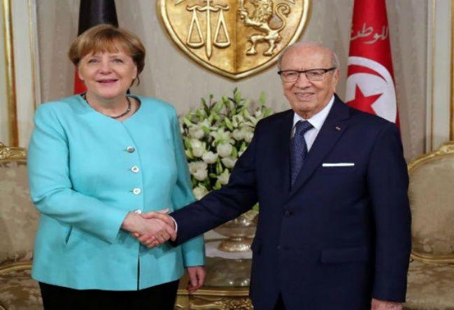 La Turquie de Recep Tayyip Erdogan avait déjà fait le coup à l'Europe, menaçant de libérer les réfugiés  parqués chez lui si nous n'acceptions pas de payer 3 milliards d'euros d'ici à la fin de 2018.