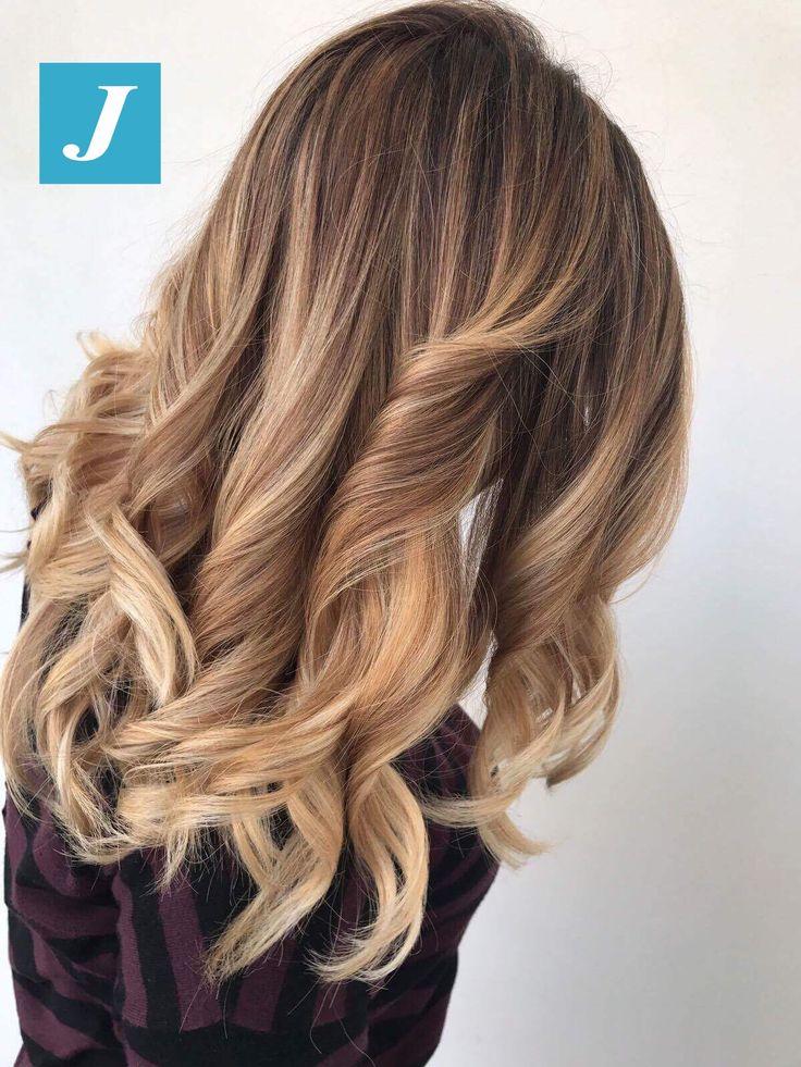 Se il sole non c'è, lo portate voi con il Degradé Joelle! Buona settimana da CDJ! #cdj #degradejoelle #tagliopuntearia #degradé #igers #musthave #hair #hairstyle #haircolour #longhair #ootd #hairfashion #madeinitaly #wellastudionyc