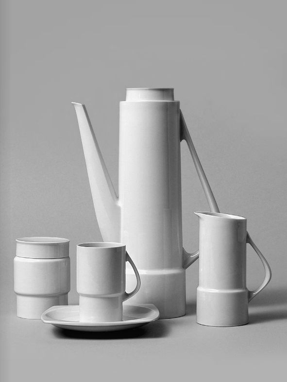 design-is-fine: Hans Theo Baumann, coffee service Silhouette, 1959-60. Porcelain. Made by KPM, Germany. From the book Hans-Theo Baumann, kunst & design 1950-2010. Via Arnoldsche Art Publishers. A look at the book here.