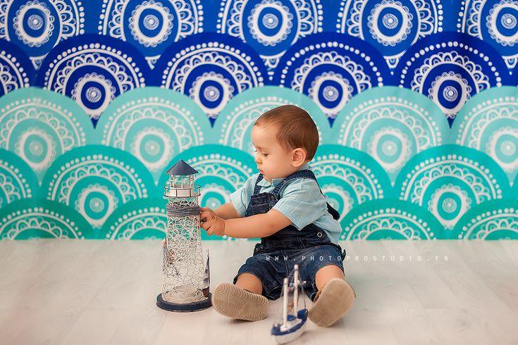 Séance photo d'anniversaire. Mon bébé Ivan a un an - Smash The Cake – séance photo premier anniversaire - shooting studio :: Photographe: Marina CHEPTEA ::