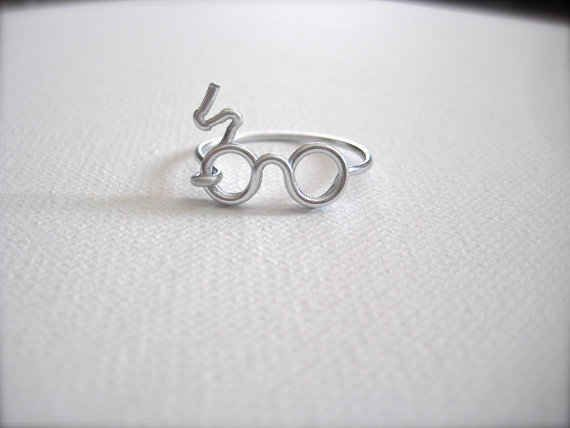 Harry Potter Scar Glasses Ring | The 30 Most Perfect Gifts For Your Biggest Harry Potter Friends This Holiday Season