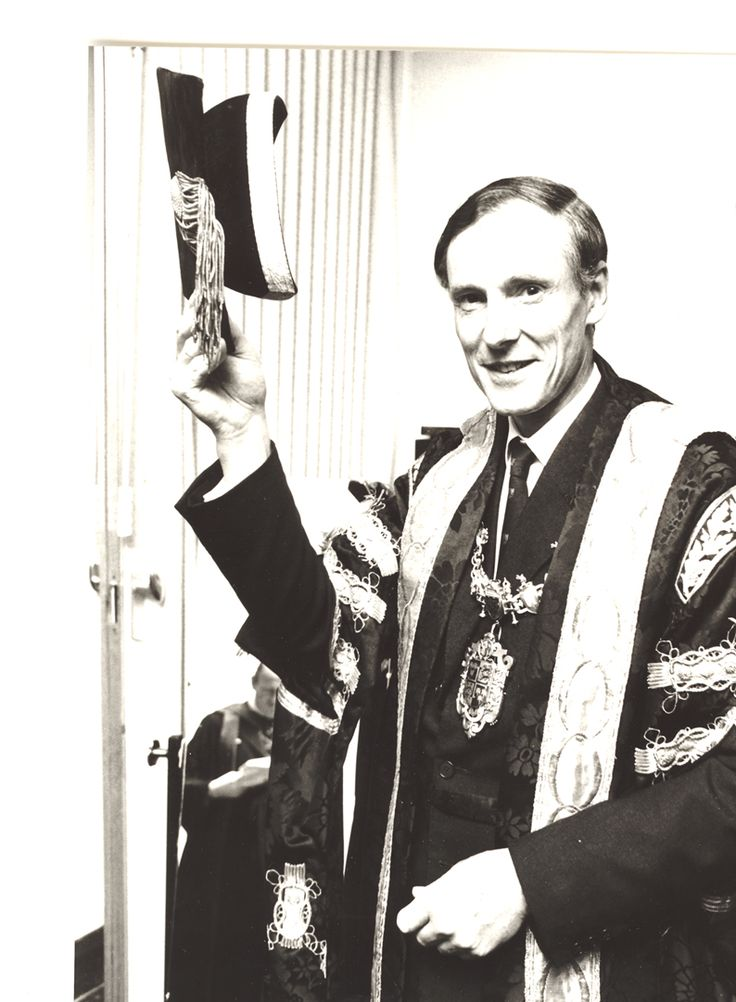 1979 photo of Sir Adrian Cadbury (Chancellor of #AstonUniversity 1979-2004). Born in 1929, Sir Adrian has led a truly remarkable life. He is perhaps best known for his chairmanship of the Committee on The Financial Aspects of Corporate Governance between 1991 and 1995 and the code of best practice which bears his name. He was also a British Olympic rower, competing in the 1952 Helsinki Olympics.