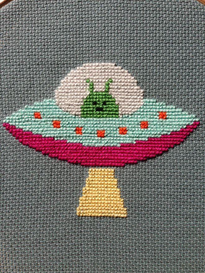 Ovni con alien