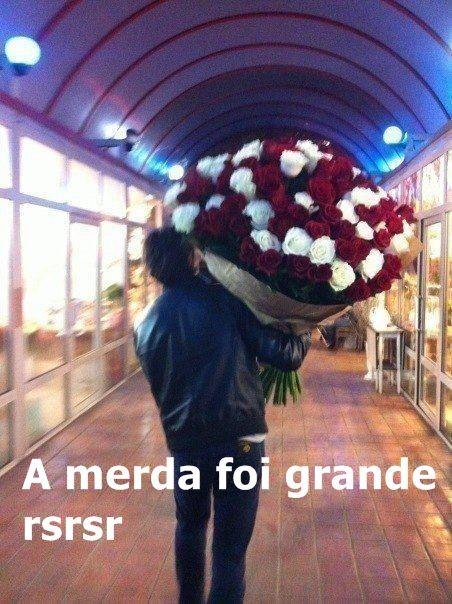 """""""Paixão cruel, desenfreada Te trago mil rosas roubadas Pra desculpar minhas mentiras minhas mancadas""""  Cazuza"""