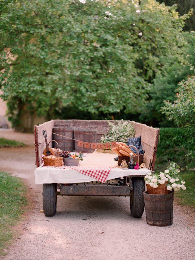 Picnic en un tractor | AtodoConfetti - Blog de BODAS y FIESTAS llenas de confetti
