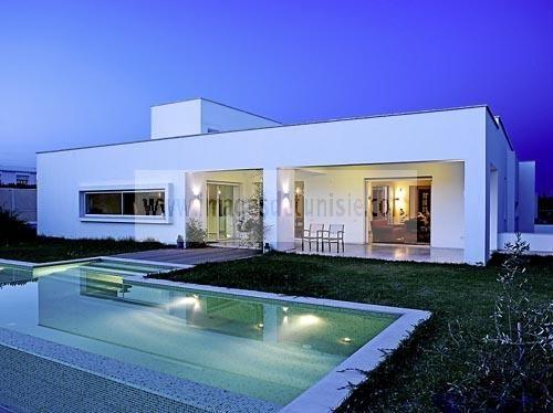Dar karim maison contemporaine aux berges du lac tunis for Architecture maison tunisie moderne