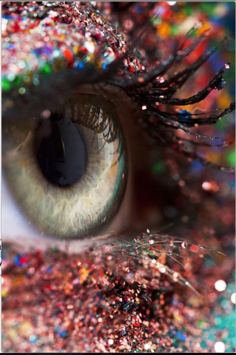 when I use to teach art I was worried the kids would get glitter in their eyes... now look at them!