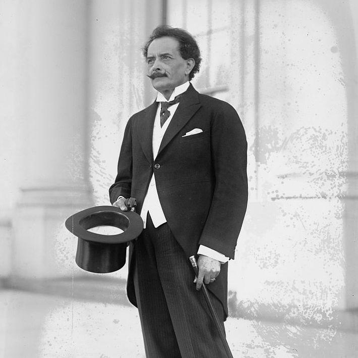 """""""Lustral"""", del boliviano Ricardo Jaimes Freyre (1868-1933), es el poema clásico que he escogido para ti esta semana. http://ciudadseva.com/textos/poesia/ha/jaimes/lustral.htm"""