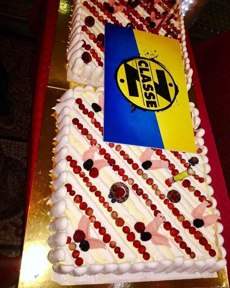 #tortagrecchi#classez#coloradofilm#festeggiamenti #pasticceria#dolci#torte#biscotti#dolciperceliaci#salatini#confezioni#produzionepropria#pasticceriagrecchiluigi#viapierodellafrancesca#corsosempione#like#follow#catering#decicious#dessert#pasticcini#milano#igersmilano#sweet#chocolate#cakedesign#dolcezza#qualità#bottegastorica#bottegaartigianale http://www.quotags.net/pasticcini/post/1481107165016388338_2342092007/?code=BSN8x6NFnLy