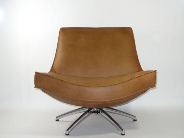 €895 Draaifauteuil Coen, de kameleon onder de fauteuils!Geeft een geheel eigen DRAAI aan je interieur!