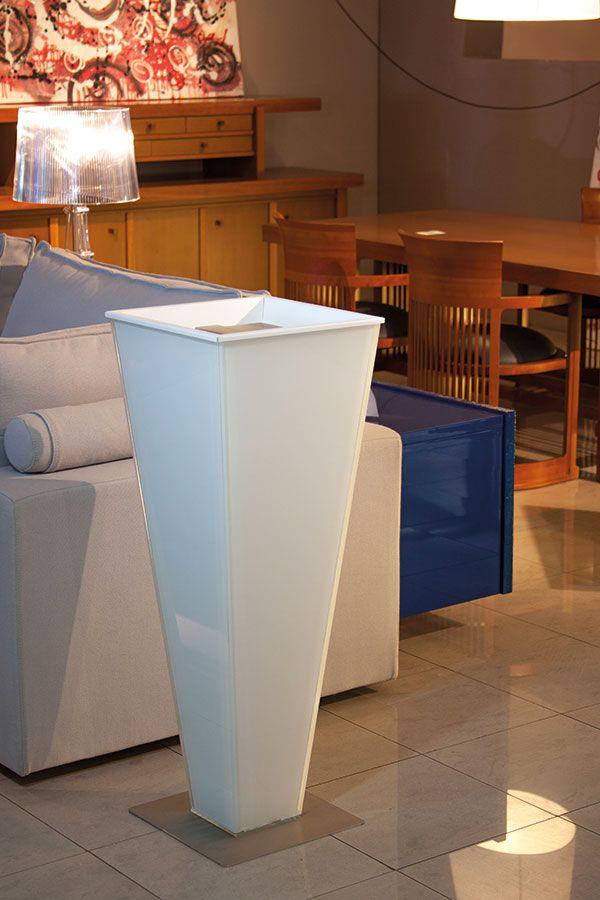 TORPE COLOR Vasi di cristallo realizzati in cristallo colorato.Utilizzabili sia in casa che in ambienti contract (hotel, residence, ristoranti). Ispirano un'atmosfera antica con un accento moderno.