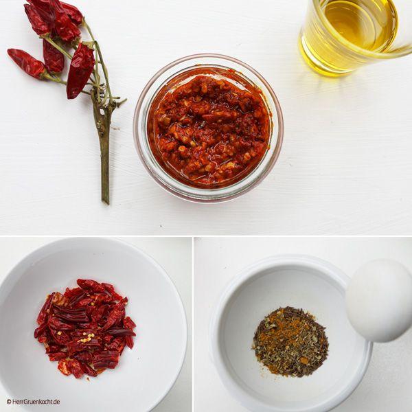 Harissa ist eine sehr, sehr scharfe Paste, die grundsätzlich aus Chili-Schoten besteht. Wikipedia sagt, dass sie aus dem nordafrikanischen Raum stammt. Aber m