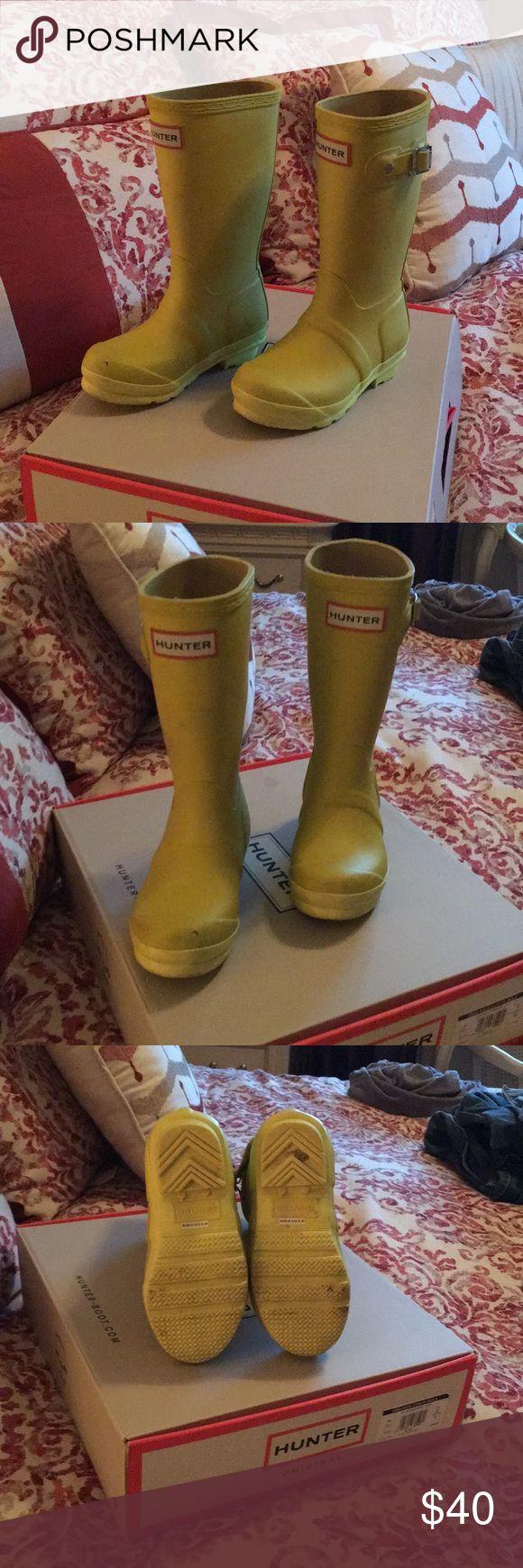 Authentic Kids Hunter Rain Boots size 11 Yellow Gently worn kids Hunter Rain boots Hunter Boots Shoes Rain & Snow Boots