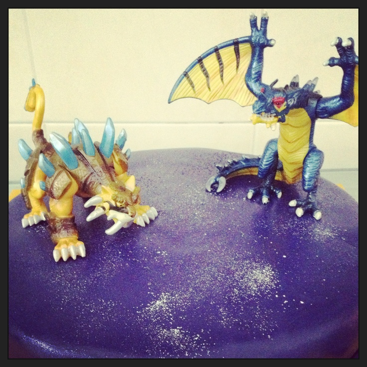 7 years old, the birthday cake of my Litle one with DinoFroz