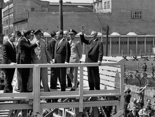 """AFP : Il y a 50 ans, John F. Kennedy prononçait à Berlin un discours et une phrase restée célèbre: """"Ich bin ein Berliner"""""""