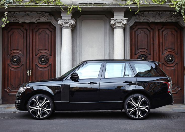 Range Rover Vogue with Dynamik Black Diamond alloy wheels GMP Italia / Range Rover Vogue con ruote in lega Dynamik Nero diamantato GMP Italia