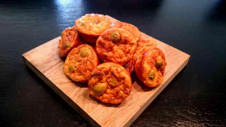 Ett LCHF-recept som är en variant av vanliga ägg och baconmuffins. De här är helt vegetariska med smaker av grekland. Perfekta till mellanmålet.