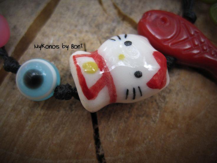 Kawaii handmade Hello kitty bracelet by MykonosByBoni on Etsy