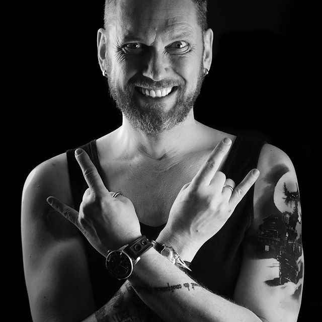 #Tattoo #münchen #munich #Nils #singer #sänger #krebs besiegt #cancer #killed cancer #schwarz/weiss #s/w #schwarz-weiss #blackandwhite