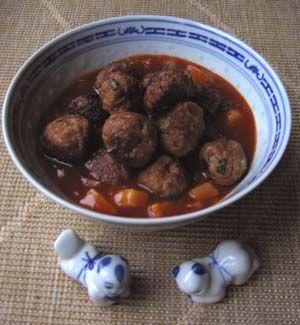 Chinees-Indische gehaktballetjes in tomatensaus