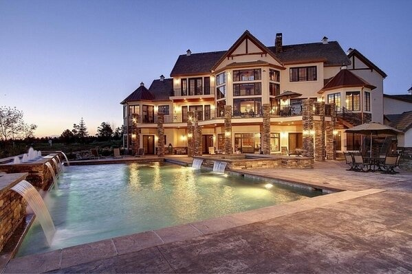 17 best images about dream homes on pinterest log cabin for Charlottesville cabin rentals hot tub