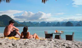 Soi Sim Beach. http://www.reddragoncruise.com/guide/beaches-on-halong-bay/soi-sim-beach