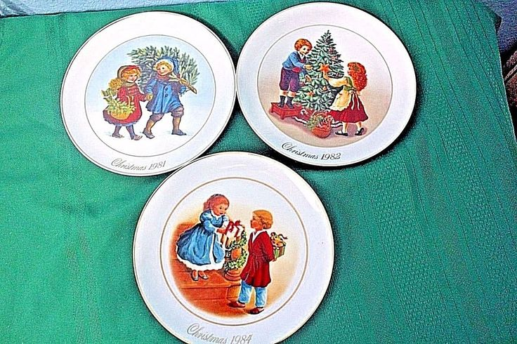 Christmas memories plates made in japan exclusilley for avon products inc