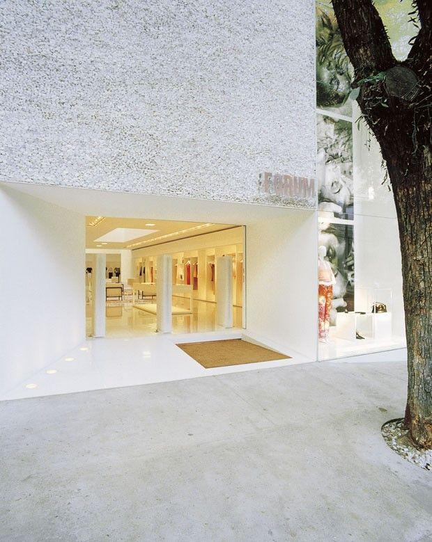Forum Flagship - Oscar Freire (2000) São Paulo / Isay Weinfeld