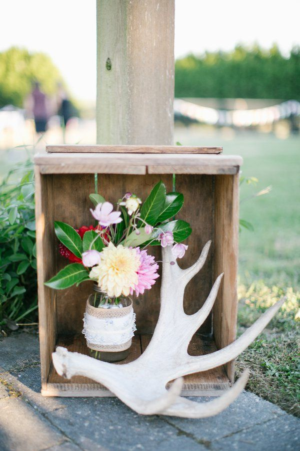 Backyard Wedding With Do It Yourself Decorations