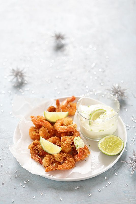Crevettes croustillantes au coco, mayonnaise express au citron vert
