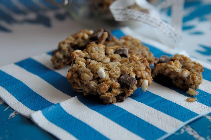 Biscotti avena e riso soffiato: nuova ricetta-lampo per bimbi affamati (e golosi) e mamme-all'ultimo- stadio-di-stanchezza-ma-che-non-vogliono-rinunciare-a-preparare-merende. Ops, I did it again