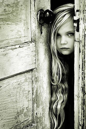 So gorgeous! Photos, The Doors, Little Girls, Long Hair, Beautiful, Black White, Children, Old Doors, Photography