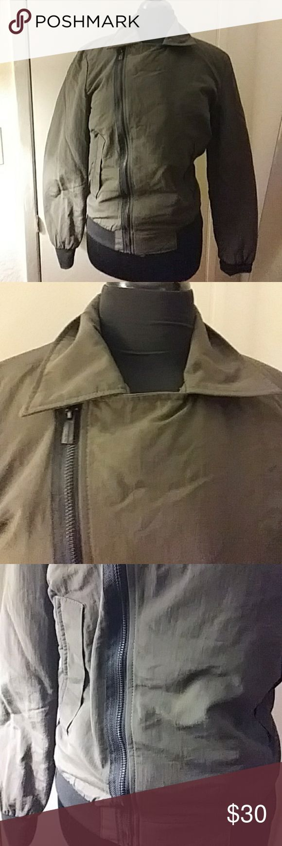 ZARA MAN BASIC Huntwr2 Green* elastic on wrist* elastic waiat2* front zippwr2* front button pockets * inner linnig * Zara Jackets & Coats