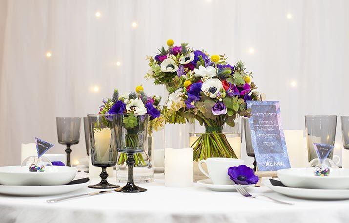 Trio de vases cylindriques en location chez D DAY DECO #ddaydeco #decoration #deco #decomariage #decorationmariage #mariage #original #mariageoriginal #chic #mariagechic #centredetable #fleurs #fleurie