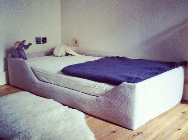 How to Make a Bed Frame for a Baby or a Kid