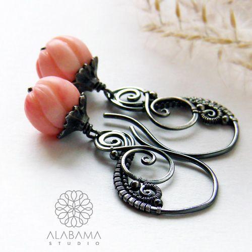 ALABAMA - Koralowe dzwoneczki - srebrne kolczyki z rzeźbionym koralem   #polandhandmade, #alabama, #wirewrapping, #earrings, #coral, #christmas, #gift, #pink, #santaiscoming, #romantic, #bells