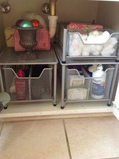Organize under the Bathroom and Kitchen Sinks!| Organize your home | Tips, tricks and easy DIY ideas