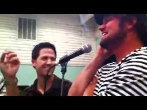 ▶ Gaither Vocal Band FUN Rehearsal - YouTube